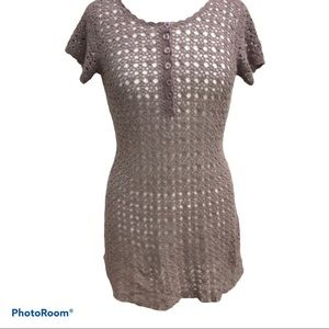 🌻Newport News crocheted overlay tunic top